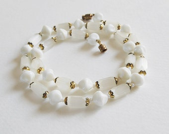 Vintage White Beaded Necklace, Faceted Frosted Ice