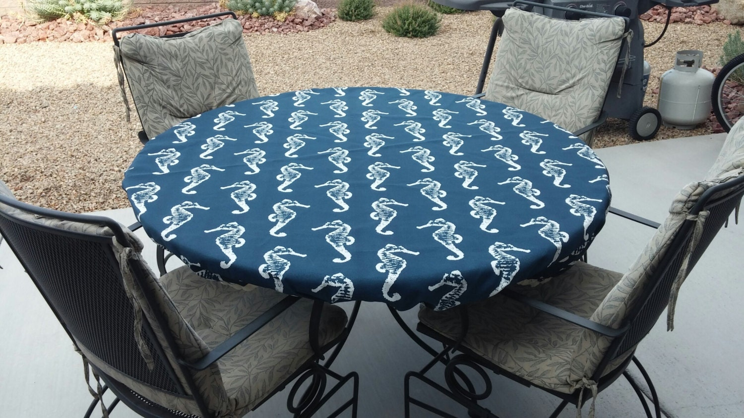 66 inch round fitted tablecloth made with navy blue outdoor. Black Bedroom Furniture Sets. Home Design Ideas