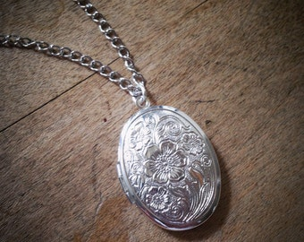 Polished Silver Picture Locket Necklace - Vintage Style Engraved Floral w/ Chain
