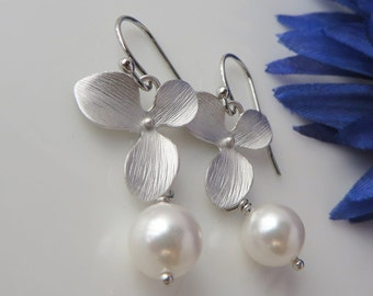 Bridal Orchid Swarovski Pearl, Single Flower, Bridesmaids Gift, Bridal Jewelry, Bride Earrings, Free US Shipping