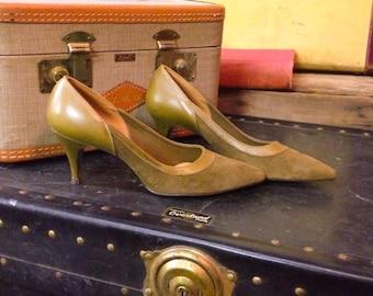 Vintage Olive Green Suede Miss Wonderful Heels Size7