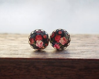 Black and red vintage rose floral glass dome stud earring, cabochon earring,rose,ditsy floral,Christmas gift
