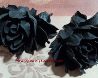 43mm x 32mm 2 large roses matte black beautifully designed cabochons flowers made of resin