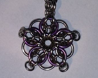 Chainmaille Micro-scale 5-point Celtic Star Tutorial