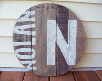 Baby Boy name sign. Custom name wood sign. Custom Personalized 16 inch Pallet wood sign. Nursery name sign. Child name sign.Round.