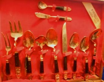 Vietnamese Dinnerware Set
