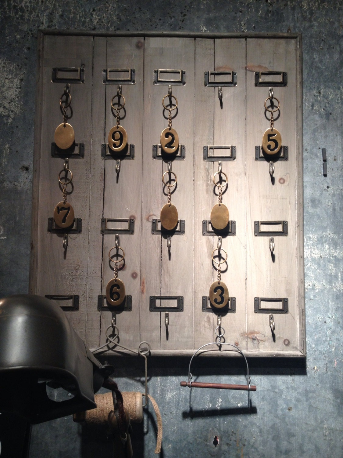 reclaimed wood hotel 20 hook large key rack holder wall. Black Bedroom Furniture Sets. Home Design Ideas