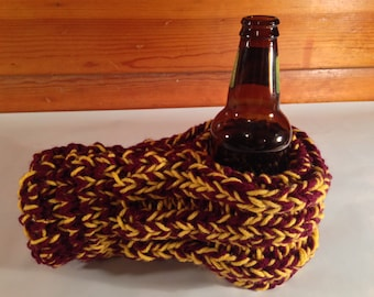 Maroon and Gold Drink Mitten