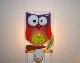 Nightlight Owl (purple), open eyes