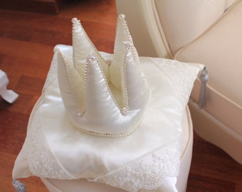 3D Crown shaped Pillow