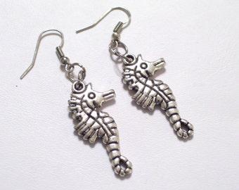 Antiqued Silver Seahorse Earrings, Silver Sea Horse Jewelry, Nautical Earrings, Beach Jewelry, Beach Earrings, Sea Life