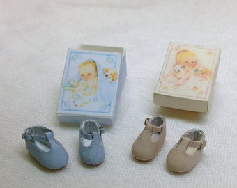 Handmade leather Baby shoes in pink or blue- 1/12 scale.