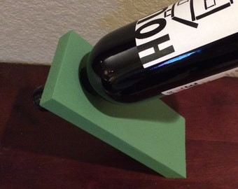 Balancing Wine Bottle Holder - Green