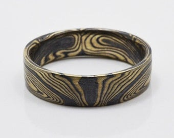 Bookmatched Linear Mokume Gane Ring in 14kt Yellow Gold and Oxidized Silver
