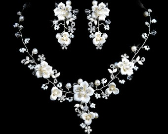 14b Dazzling Bridal Ivory White Pearl Crystal Porcelain Flower Necklace Set with Pierced Earrings
