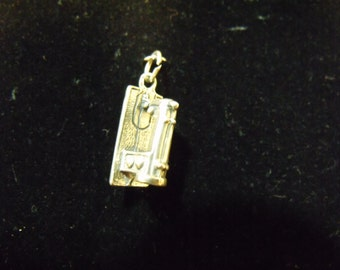 Sterling Silver Sewing Machine 3D Charm/Pendant - .925 3.3 grams
