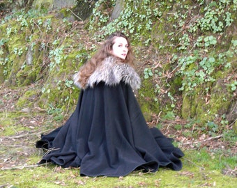 25 colors - Medieval cloak made with wool and fur for man or woman only on request
