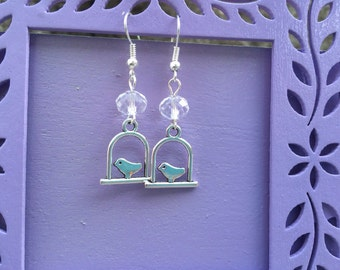 Glass Roundel and Pewter Bird on a Swing Dangle Earrings MLB44