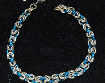 Anodised aluminium and nickel-silver chainmaille bracelet