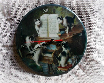 Wooden wall clock, decoupage clock, clock with kittens