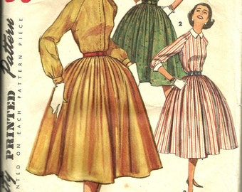 Vintage Sewing Pattern. Simplicity 1683. dress pattern