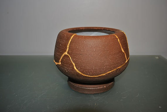 "Covert brown 5"" candleholder mended with several gold seams - Kintsugi / Kintsukuroi Art"