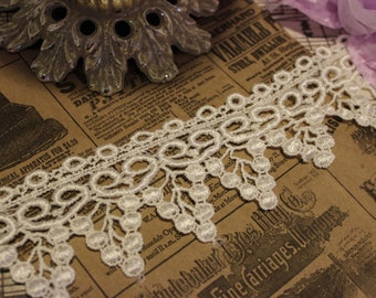 Ivory  Grapes Venise Lace Trim