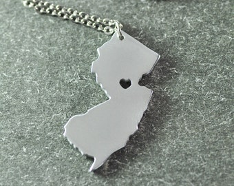 Free shipping - I heart New Jersey Necklace - New Jersey Pendant - State Necklace - State Charm - Map necklace - Map Jewelry Mum Gifts