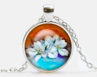 White flowers pendant. Flowers necklace. Flowers jewelry. Birthday gift