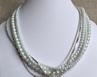 rhineston chain necklace,white pearl necklace,wedding pearl necklace,pearl necklaces,bridesmaids necklace,glass pearls necklaces