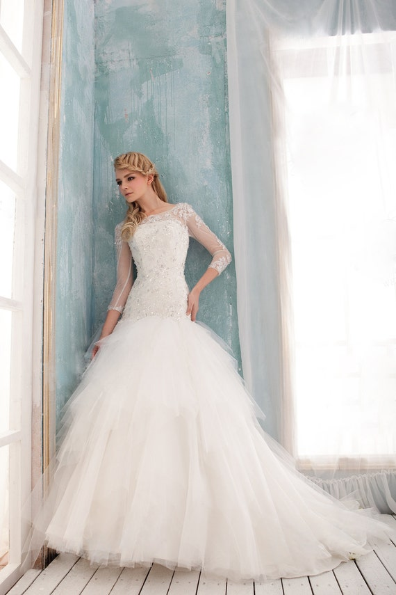 a line wedding dress , princess wedding dress