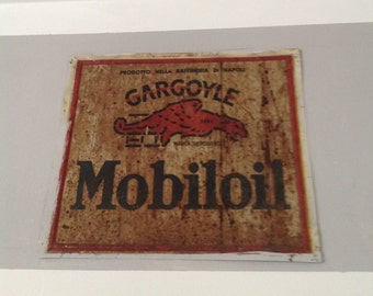 Vintage advertising mobil OIL can