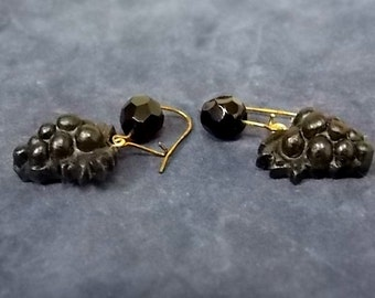 Woman's Vintage Estate 14K Yellow Gold Earrings W/ Grape Cluster Design, 2.9g E1351