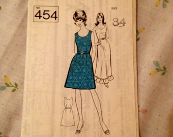 1960s shift dress pattern (34 inch bust)