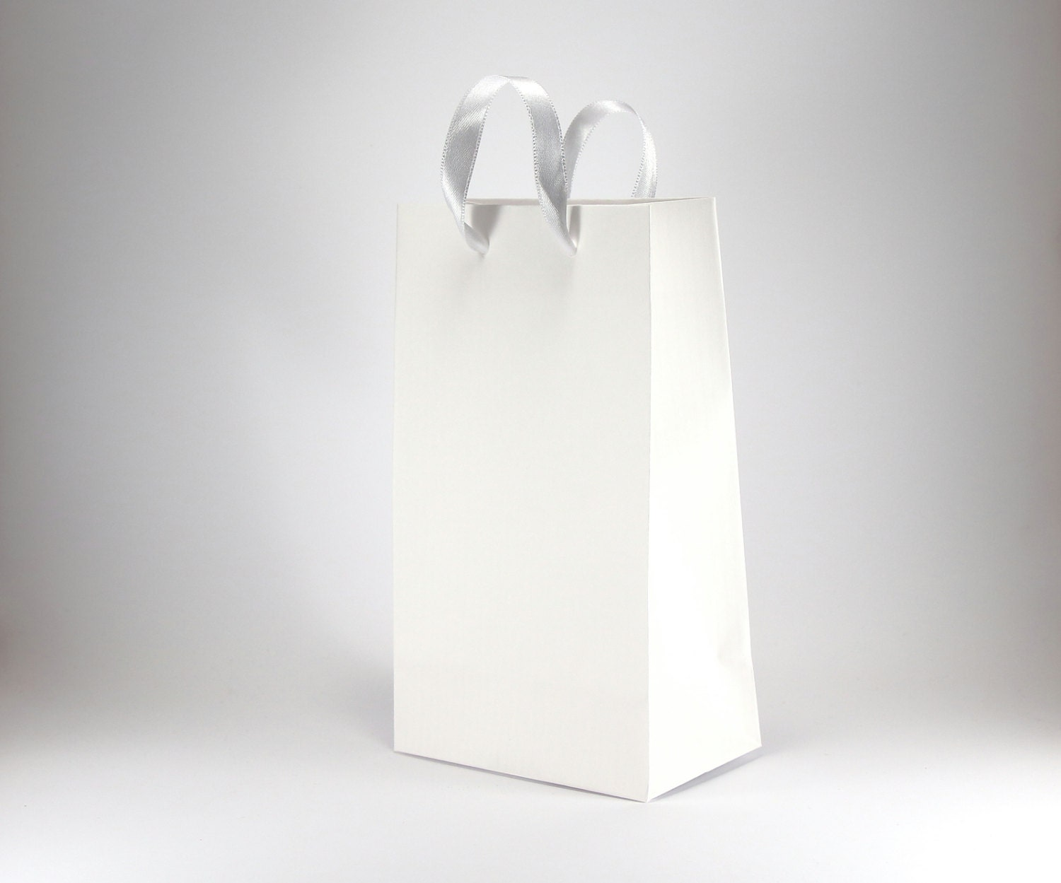 Wedding Gift Bags With Handles : 15 SMALL White Paper Gift Bags with Handles Wedding Favors