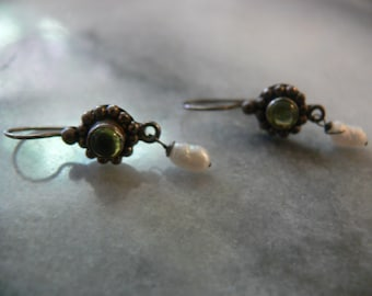 vintage pearl and peridot earrings