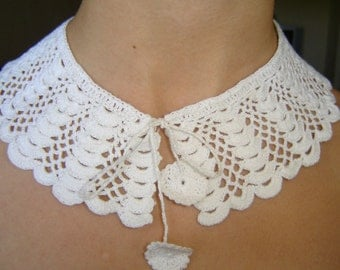 Vintage Hand knitted lace from Bulgaria, from 70s, Textile jewelry,  frill, gorget