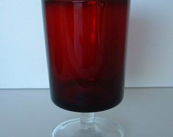 Luminarc Ruby Red Water Glass Cavalier Pattern