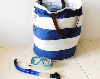 XL BEACH BAG blue/white with leather straps