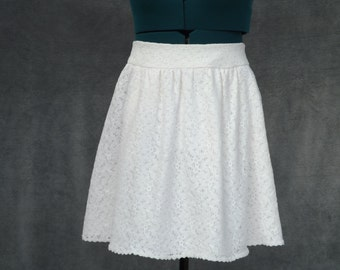 Ivory Lace Skirt with Side/Front Pockets - UK 6