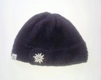 Black Key Hole with Button Knitted Women's Hat