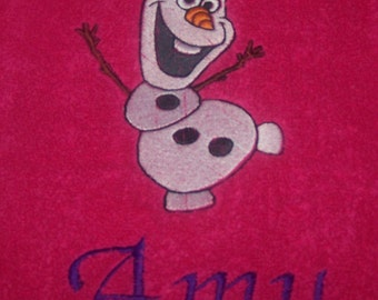 Personalised embroidered Olaf bath towel (100% cotton)