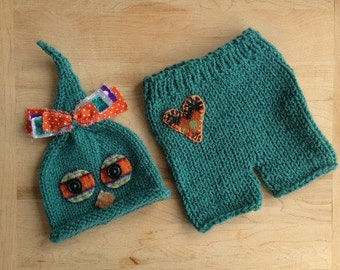 Green Newborn Boy Outfit Knit BaBY PHoTO PRoP Owl Hat Pant SET Baby Bird Beanie Heart Shorts Set OOAK Coming Home Costume Anime Woodland RTS