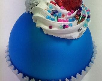 Cupcake Ornament - Matte Bright Turquoise