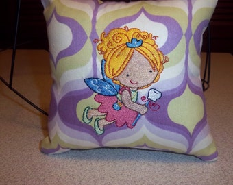 1050 Embroidered Tooth Fairy Pillow