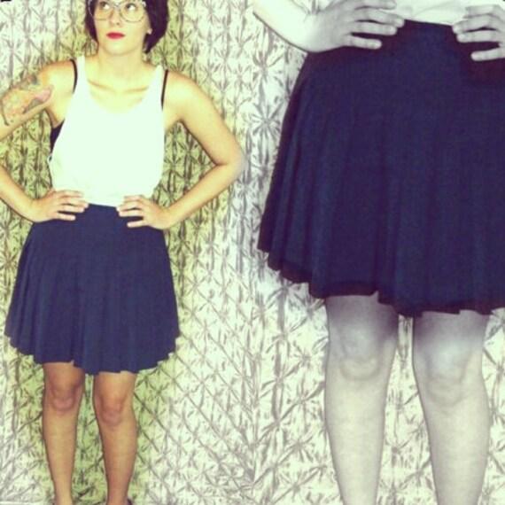 Vintage Prussian Blue High-Waist Mini Skirt with Pleats - Size M