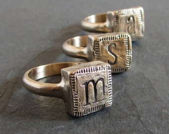 Custom initial ring // personalized ring / unique bronze monogram ring / rustic letter ring / signet ring / personalized jewelry
