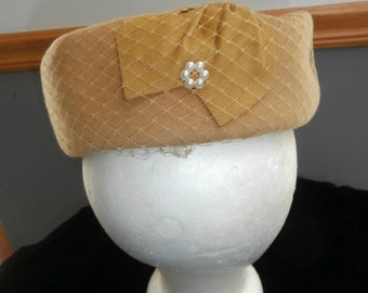 Womens  Gold Color Vintage Hat HENRY POLLAK New York Zephyr Wool Felt