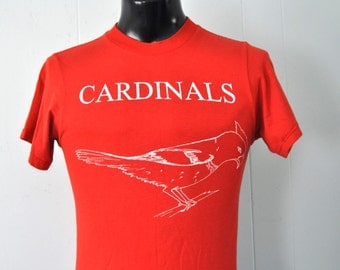Vintage Tshirt 3H hartford CT Cardinals Birds Horses Red Tee Nature Animals  Ladies Mens SMALL
