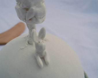 Butter dish in white porcelain with a rabbit and a tree